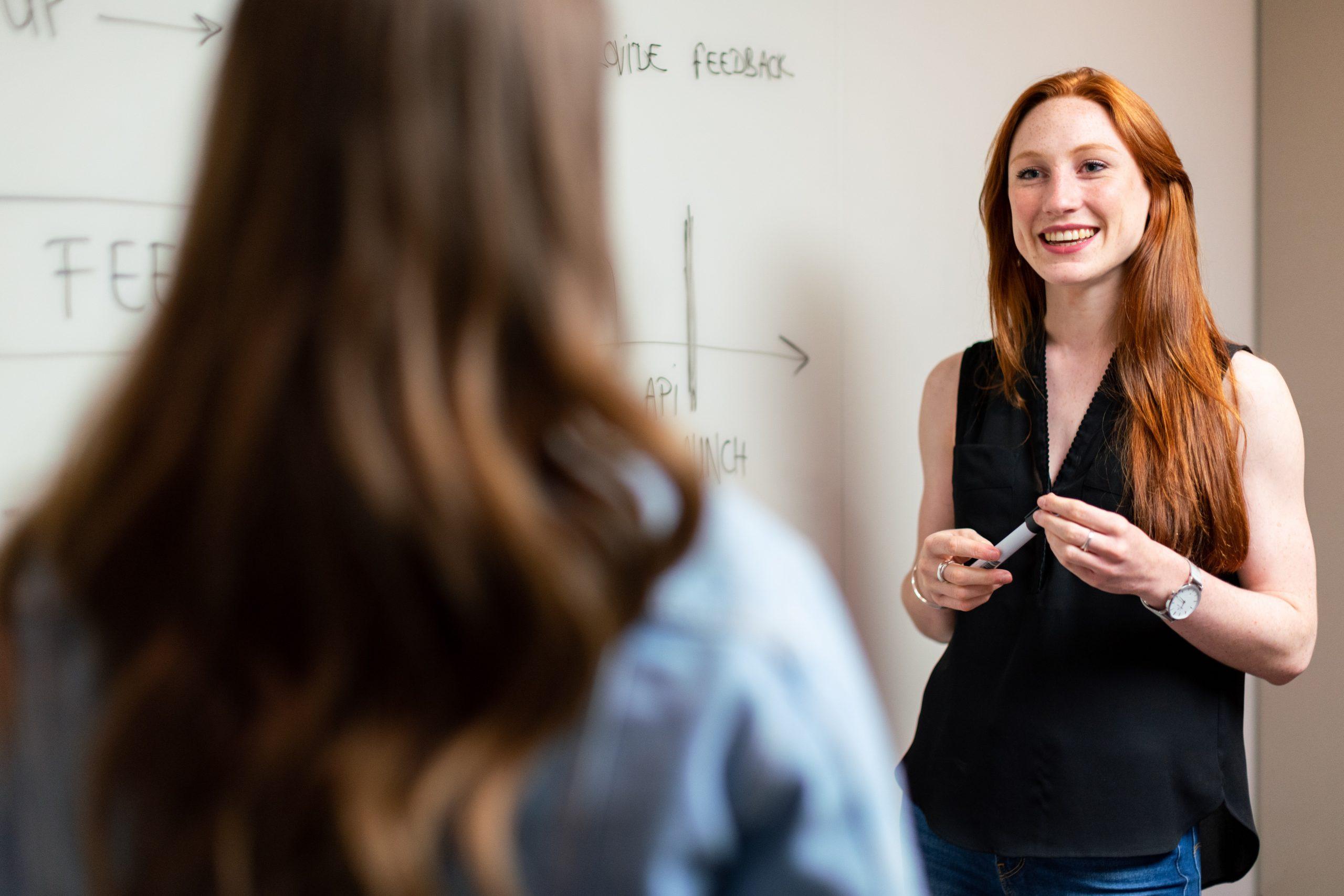 Verliebt in die Lehrerin | Leidenschaft im Klassenzimmer